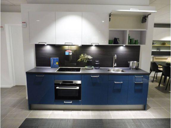 Rechte blauwe keuken